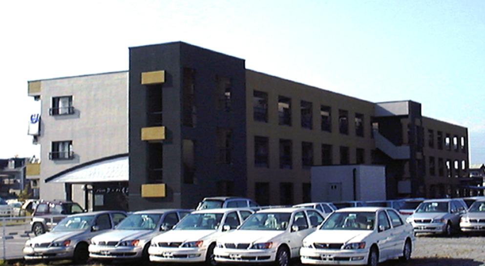 三宅建築設計事務所 パークハイム里吉 山梨県 RC造 3階建