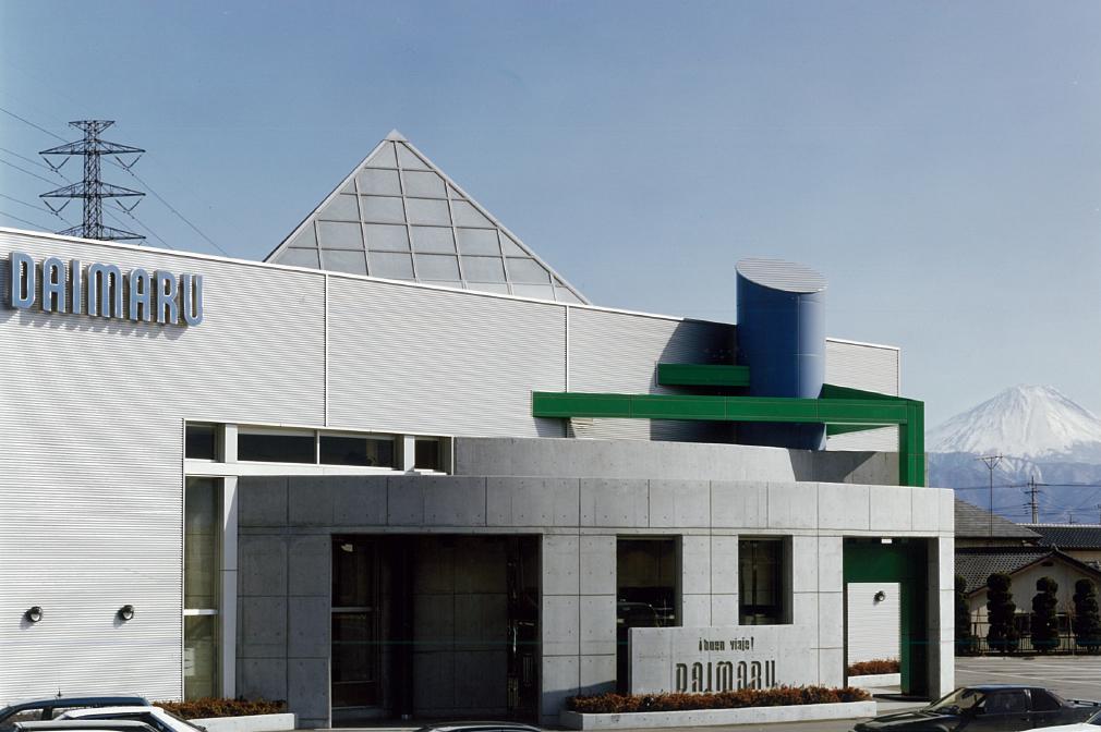 三宅建築設計事務所 DAIMARU竜王店 山梨県 RC造 2階建