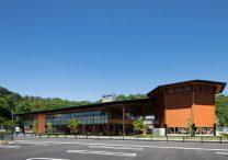 三宅建築設計事務所 健康科学大学看護学部 1号館・講義棟 山梨県 木造 2階建