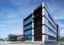 三宅建築設計事務所 山梨県厚生連健康管理センター 山梨県 鉄骨造 4階建